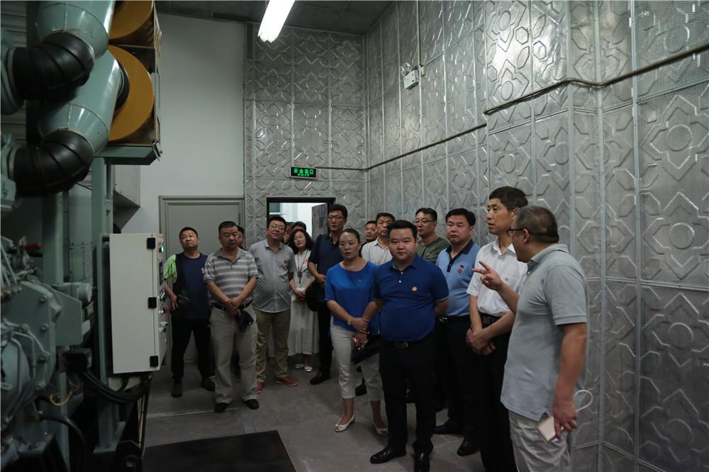 参观安阳移动公司大数据云计算中心机房