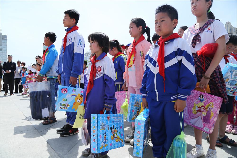 """热烈祝贺""""新生代、新征程、百名儿童圆梦行"""" 大型公益活动落幕"""